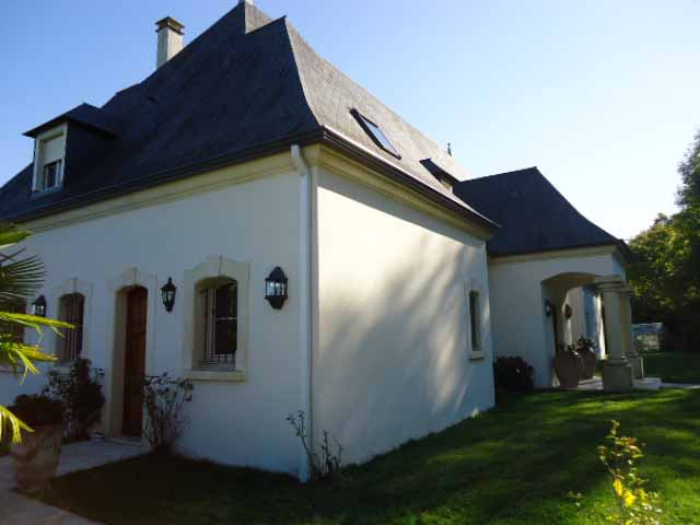 Property for sale in Pau Pau is situated at the foothills of the Pyrénées Mountains, in southwestern France. Pau is a beautiful and historic town, and its picturesque location make it ideal for property buyers.